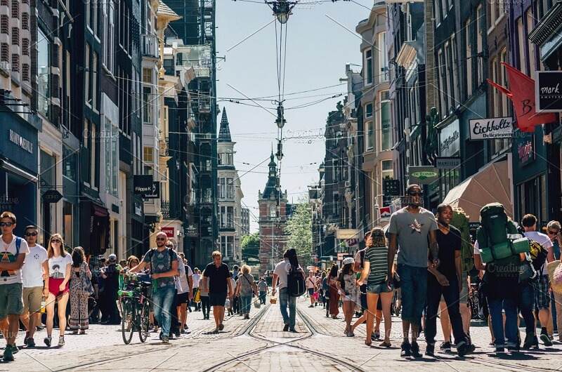 Hinh-anh-du-lich-Amsterdam-people
