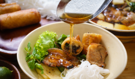 Eat in Hanoi before you die, UK magazine advises